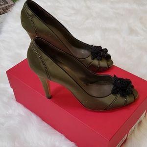 Valentino Garavani size 381/2 heels